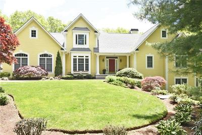 North Kingstown Single Family Home For Sale: 129 Woodridge Dr