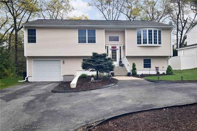 Johnston Single Family Home Act Und Contract: 3 Woodhaven Dr