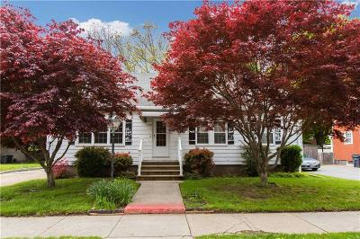 Providence Single Family Home For Sale: 70 Enfield Av