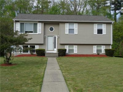 Providence County Single Family Home For Sale: 35 Ann Dr