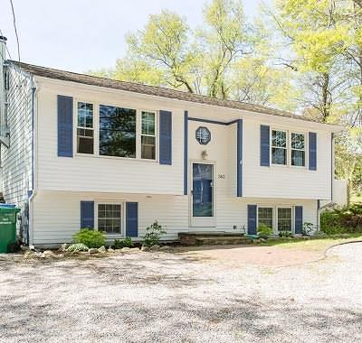South Kingstown Single Family Home For Sale: 362 Allen Av
