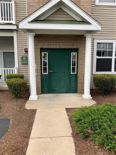 Woonsocket RI Condo/Townhouse For Sale: $149,000
