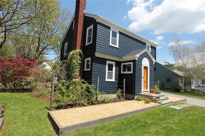 Newport, Middletown, Portsmouth Single Family Home For Sale: 14 Vernon Av