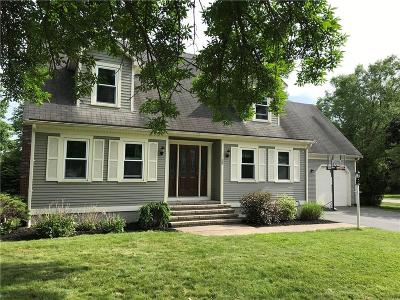 Cumberland Single Family Home For Sale: 29 Sandy Wy
