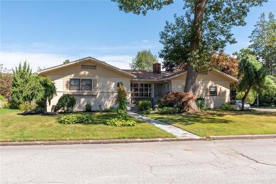 Cranston Single Family Home For Sale: 34 Hamden Rd