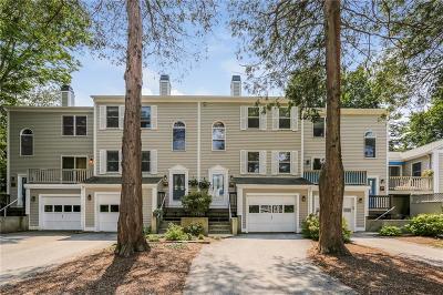Bristol RI Condo/Townhouse For Sale: $320,000