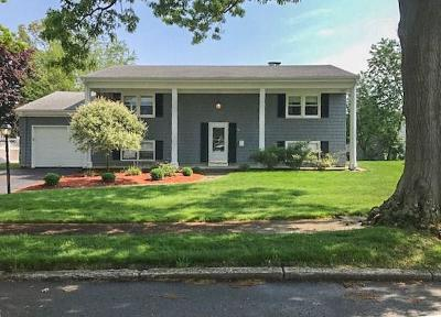 Cranston RI Single Family Home For Sale: $299,900