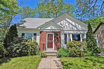 Providence County Single Family Home For Sale: 25 Lookoff Rd