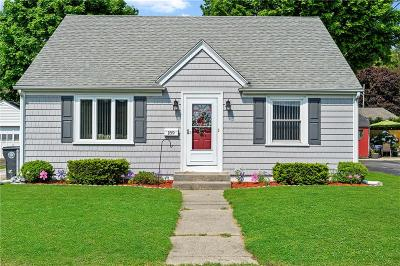 Cranston RI Single Family Home For Sale: $232,500