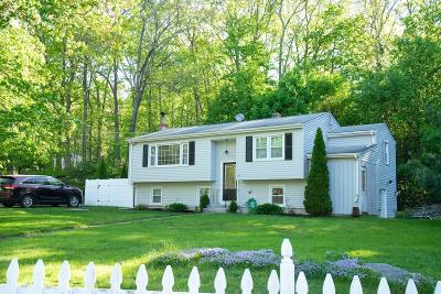 Providence County Single Family Home For Sale: 61 Stirling Dr