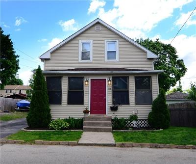 Single Family Home For Sale: 114 Newfield Av