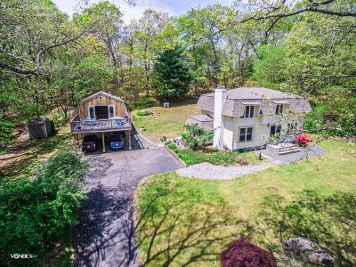 North Kingstown Single Family Home For Sale: 215 Congdon Hill Rd