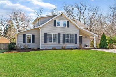 North Kingstown Single Family Home For Sale: 48 Pierce Rd