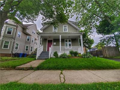 Cranston Single Family Home For Sale: 164 Norwood Av