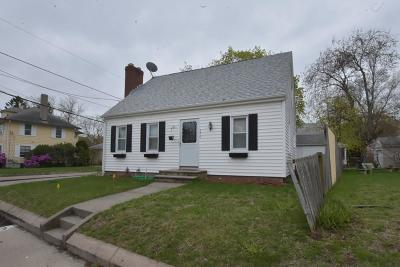 Pawtucket Single Family Home For Sale: 336 Smithfield Av