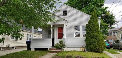 Providence RI Single Family Home For Sale: $139,900