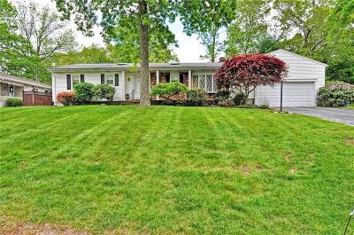 Cumberland Single Family Home For Sale: 6 Rocky Crest Rd