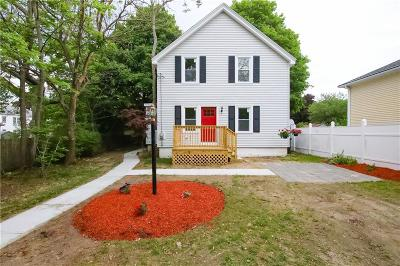 Pawtucket Single Family Home For Sale: 56 Brookdale Blvd