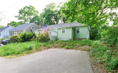 South Kingstown Single Family Home For Sale: 15 Middle St