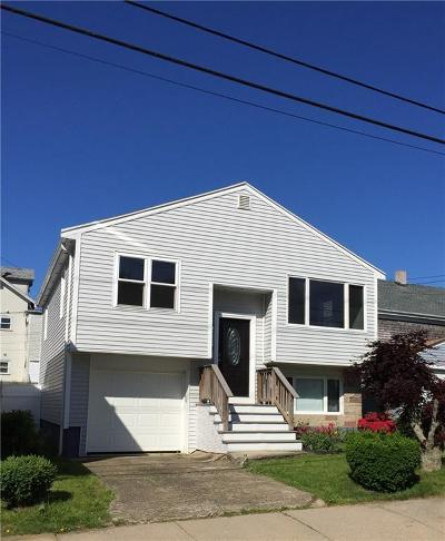Newport Single Family Home For Sale: 57 Friendship St