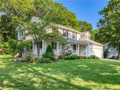 North Kingstown Single Family Home For Sale: 200 Wickham Rd