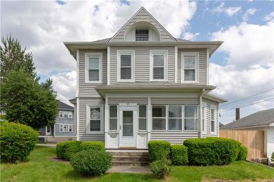 Johnston Single Family Home For Sale: 15 School St