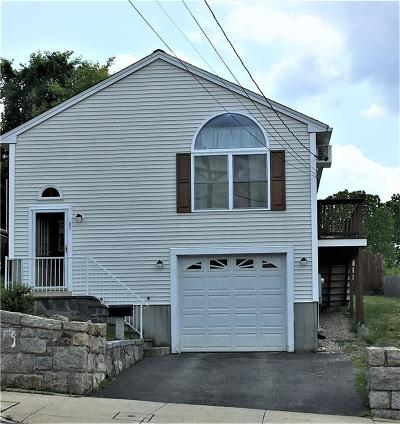 Woonsocket Single Family Home For Sale: 85 Aylsworth Av
