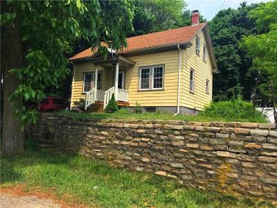 Lincoln Single Family Home For Sale: 253 Chapel St