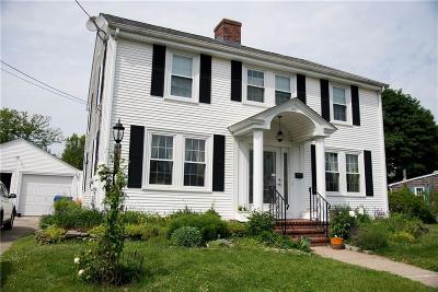 East Providence RI Single Family Home For Sale: $379,000