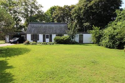 Portsmouth Single Family Home For Sale: 98 Turnpike Av