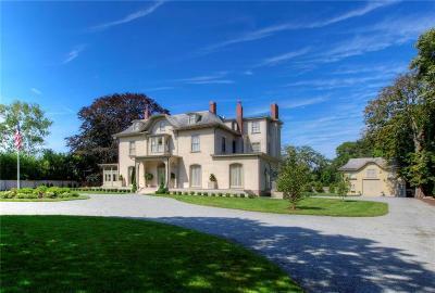 Newport Single Family Home For Sale: 673 Bellevue Av