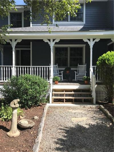 Lincoln Single Family Home For Sale: 54 East Lantern Rd