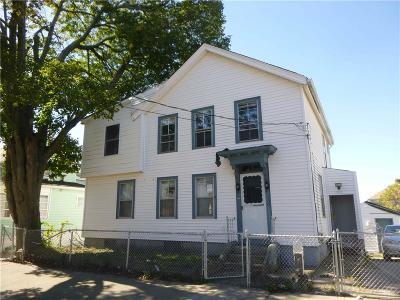 Pawtucket Single Family Home For Sale: 150 Dunnell Av