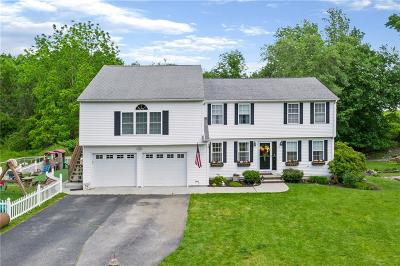 Warwick Single Family Home For Sale: 60 Spinnaker Lane