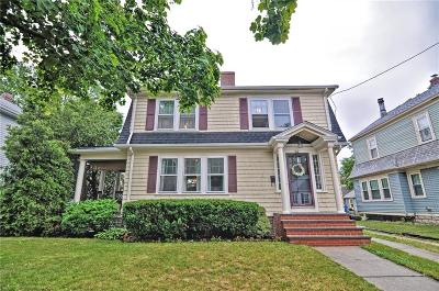 Cranston Single Family Home For Sale: 84 Paine Av
