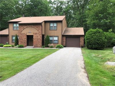 Smithfield Condo/Townhouse For Sale: 39 - B Pheasant Run