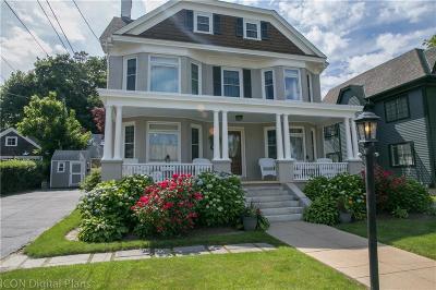 Newport Single Family Home For Sale: 89 Roseneath Av