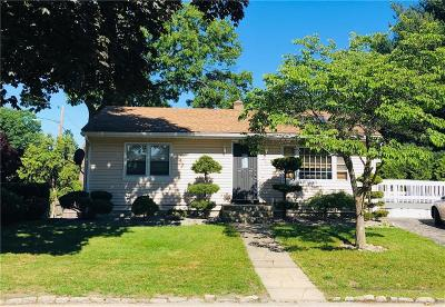Cranston RI Single Family Home For Sale: $259,900