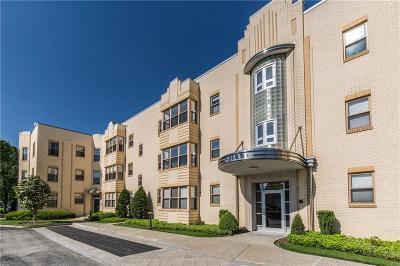 Cranston Condo/Townhouse For Sale: 1180 Narragansett Blvd, Unit#e6 #E6