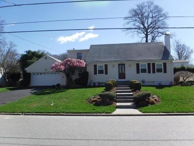 Cranston Single Family Home For Sale: 280 Summit Dr