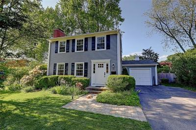 East Providence Single Family Home Act Und Contract: 10 Circle Dr