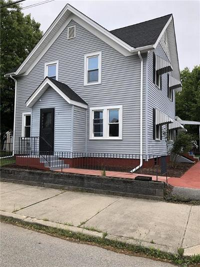 Pawtucket Single Family Home For Sale: 41 Home St