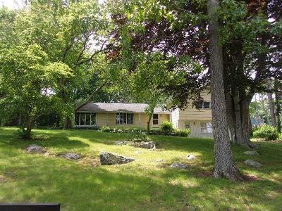 North Kingstown Single Family Home For Sale: 7 Hill Side St