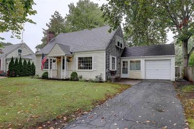 Barrington Single Family Home For Sale: 58 Brook St