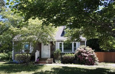 North Kingstown Single Family Home For Sale: 82 Rosemary Dr