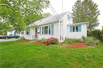 North Providence Single Family Home For Sale: 32 Brae St