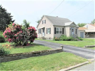 Tiverton Single Family Home Act Und Contract: 45 Bourne Av