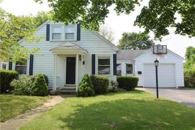Barrington Single Family Home For Sale: 3 Whipple Av