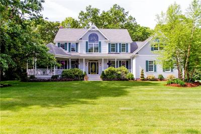 Seekonk Single Family Home Act Und Contract: 94 Robincrest Ct