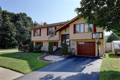 Warwick Single Family Home For Sale: 69 Eastgate Dr